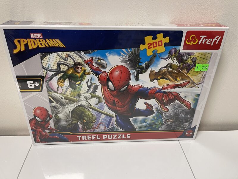 Trefl puzle Marvel SpiderMan 200 gab